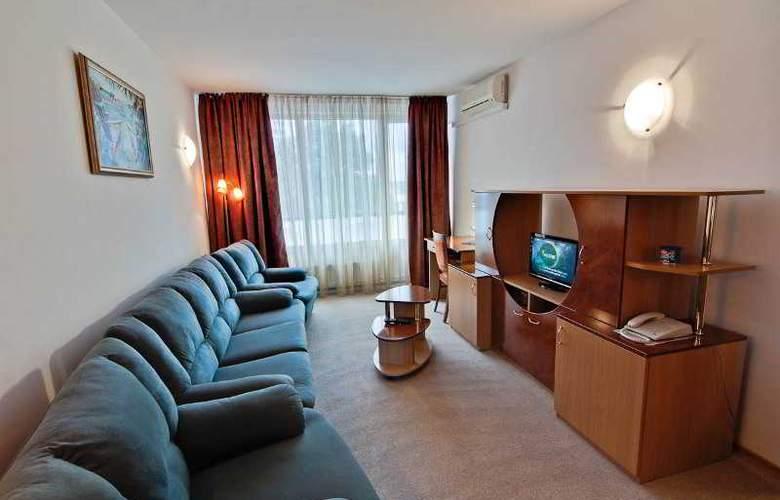 Hora - Room - 5