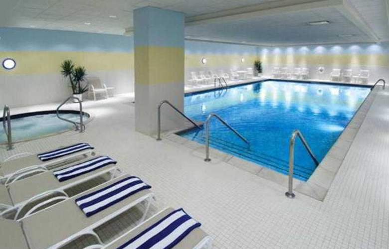 Renaissance Chicago O'hare Suites - Pool - 31