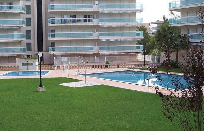 Ventura Park - Pool - 15