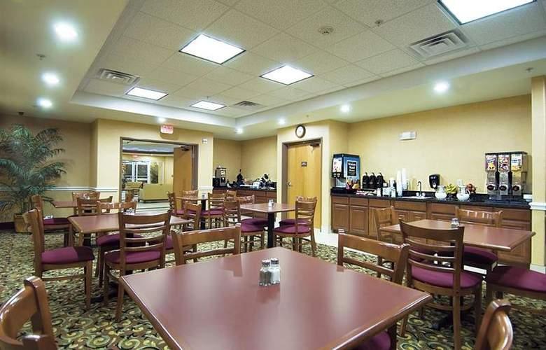 Best Western Plus San Antonio East Inn & Suites - Restaurant - 124