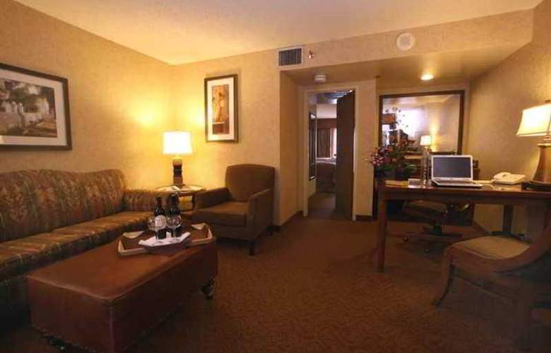 Embassy Suites Santa Ana / Orange County Airport - Hotel - 6