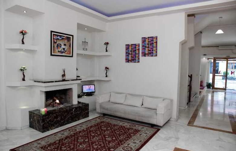 Alexiou hotel - Bar - 18