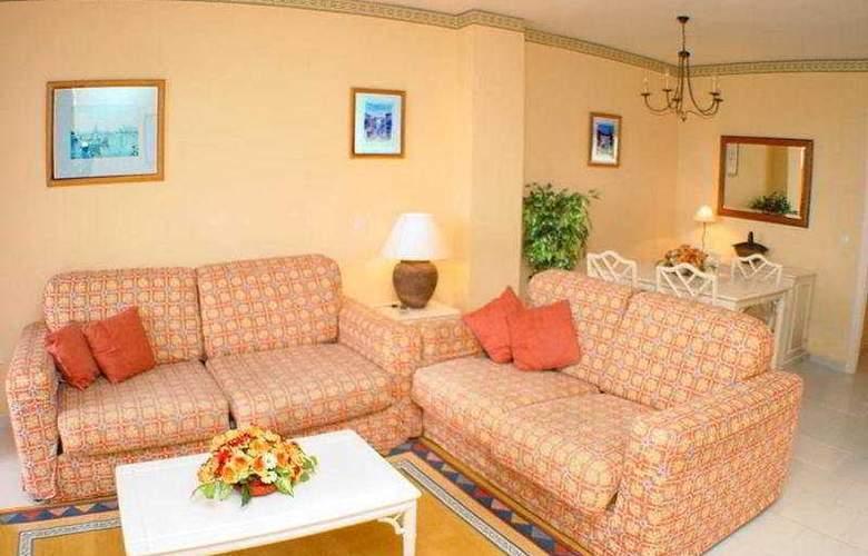 Crown Resorts - Room - 5
