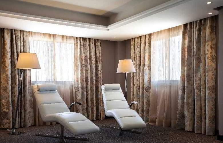 Atlas Sky Airport Hotel - Room - 9