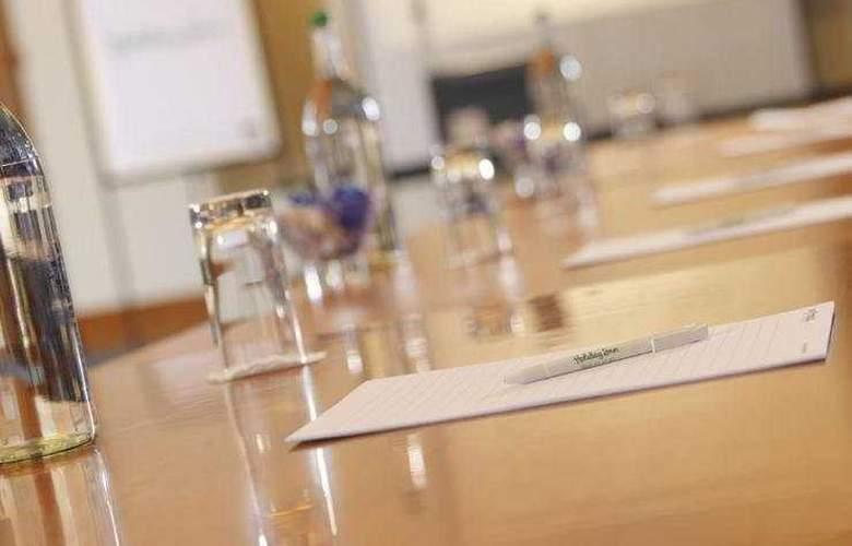 Holiday Inn Basingstoke - Conference - 4