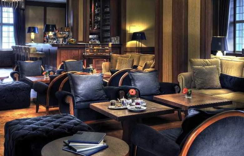 Grand Hotel Kempinski High Tatras - Bar - 5