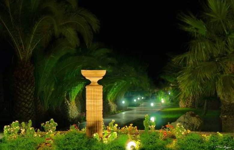 Asteras Resort - Hotel - 5