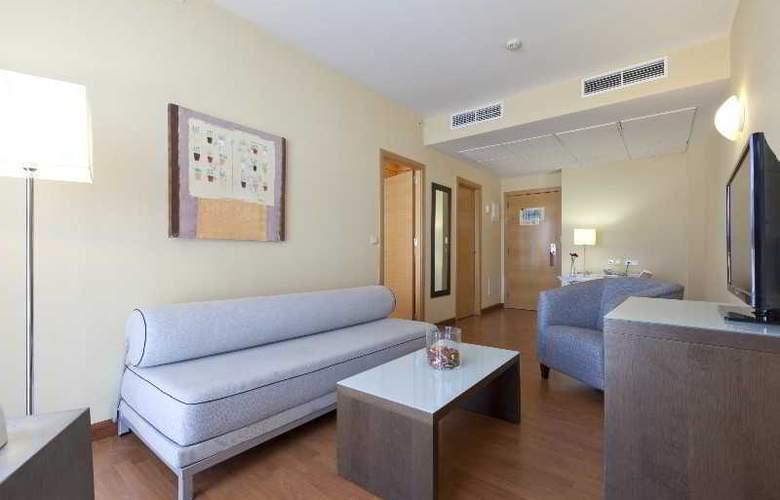 Vertice Sevilla - Room - 14
