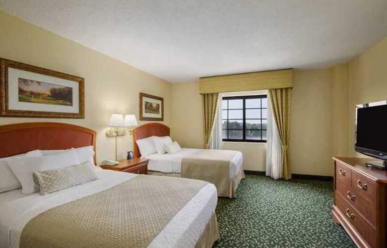 Embassy Suites Greenville Golf Resort - Hotel - 2