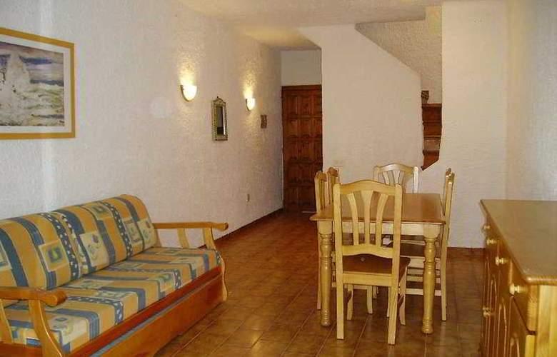 El Pinar - Room - 2