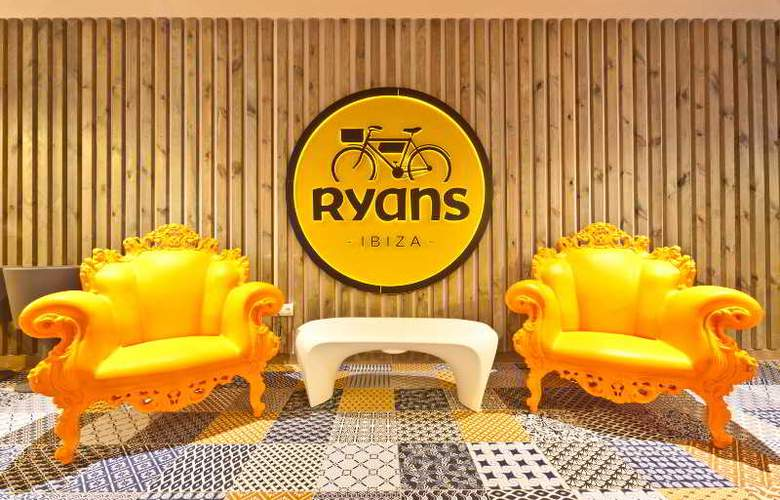 Ryans Ibiza Apartments - Bar - 14