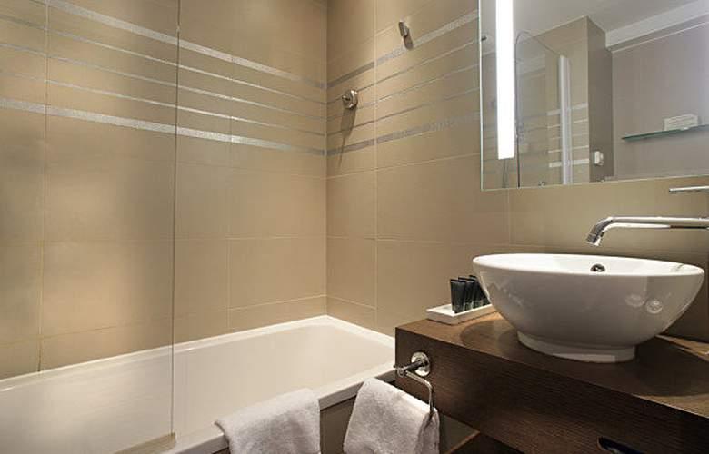AC Hotel Ambassadeur Antibes - Juan les Pins - Room - 17