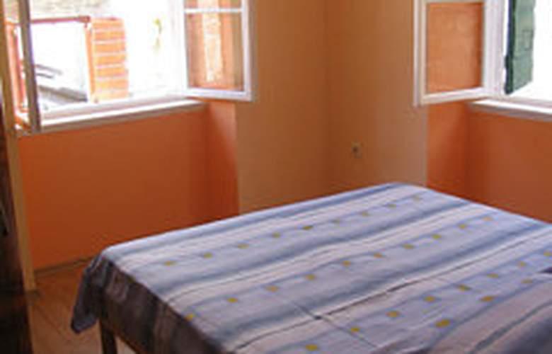 Apartments Stari Trogir - Room - 5