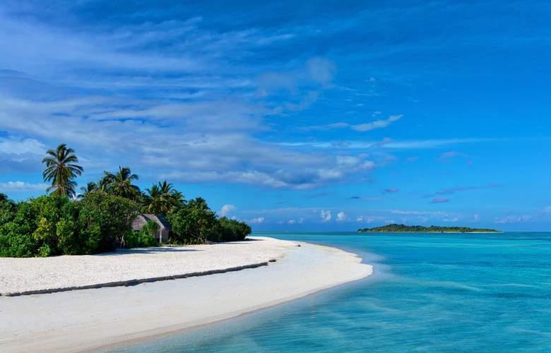 Cocoon Maldives Resort - Beach - 25