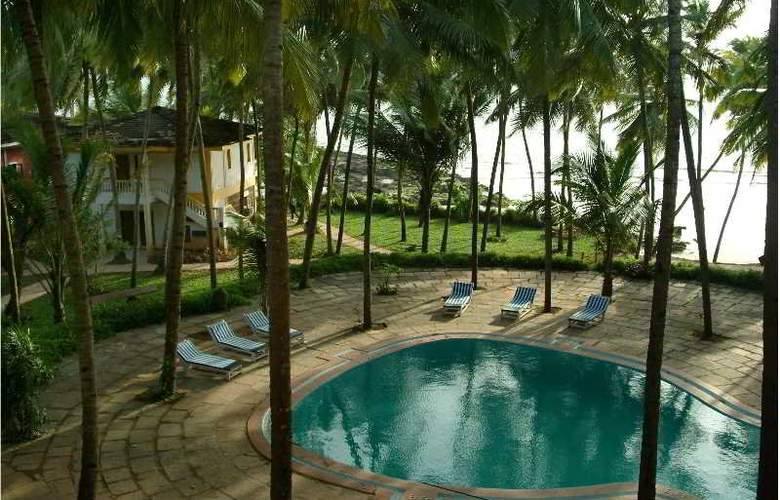 Bambolim Beach Resort - Pool - 8