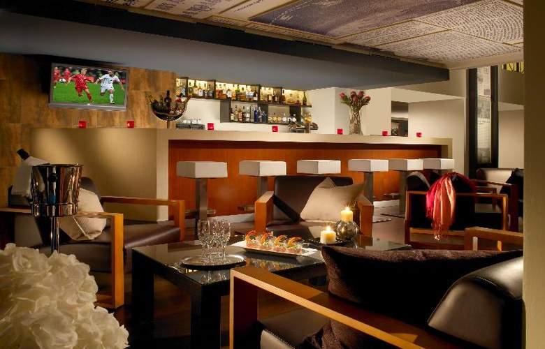 Park Inn Hotel Prague - Bar - 11