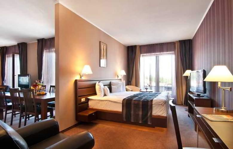 Ramada Cluj Hotel - Room - 21