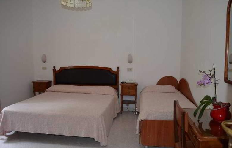 Maronti - Room - 11