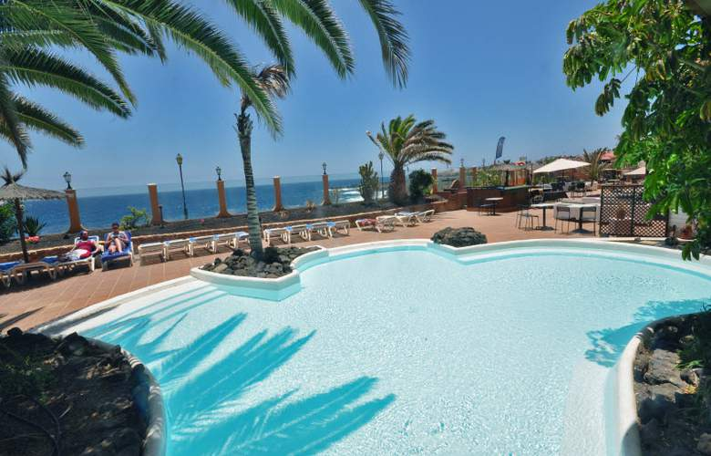 Ereza Dorado Suites - Pool - 18