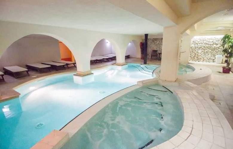 Dolmen Hotel Malta - Pool - 24