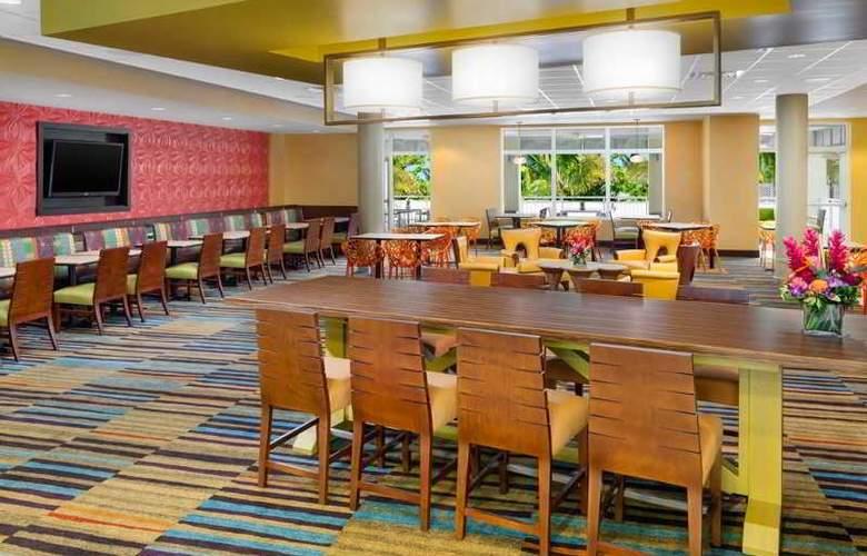 Fairfield Inn & Suites Key West at The Keys Collection - Restaurant - 9