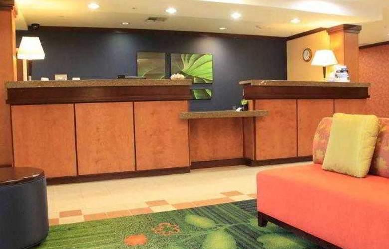 Fairfield Inn & Suites Denton - Hotel - 10
