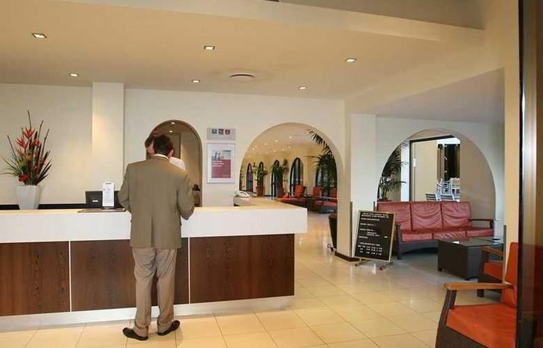 Quality Hotel Mermaid Waters - General - 1