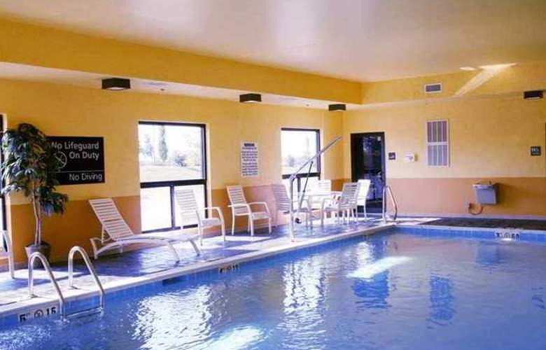 Hampton Inn & Suites Louisville East - Hotel - 1