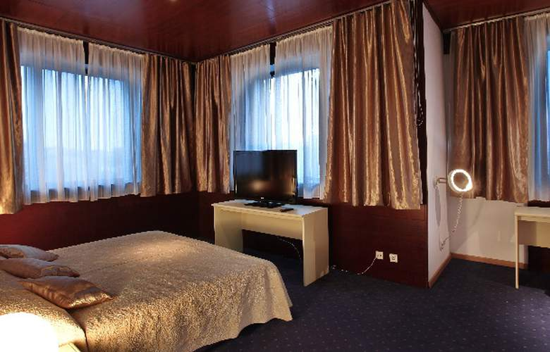 Slavija Garni - Hotel - 0