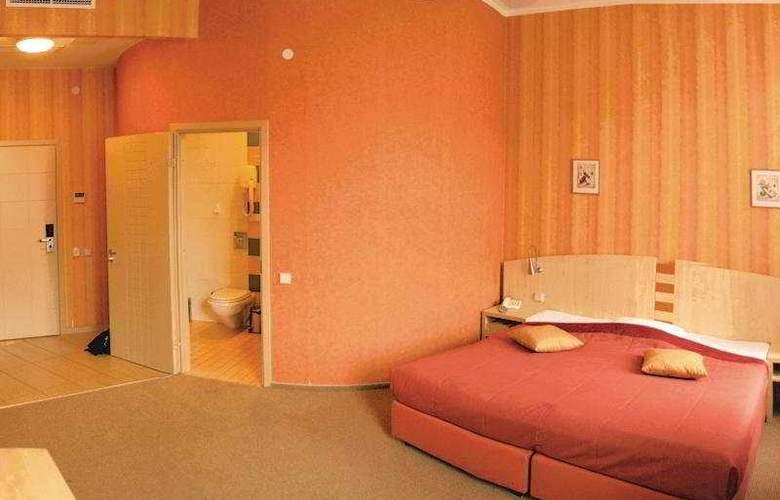 5th Corner Hotel - Room - 7
