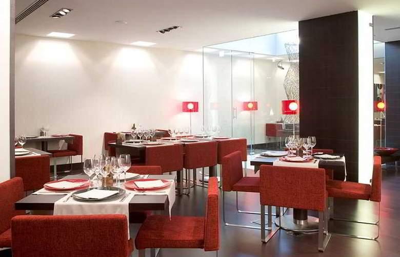 NH Sants Barcelona - Restaurant - 12