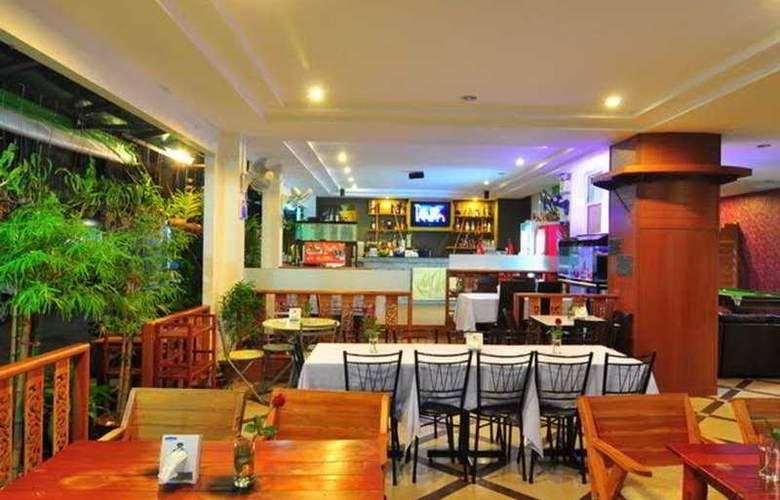 Triple Rund Place - Restaurant - 5