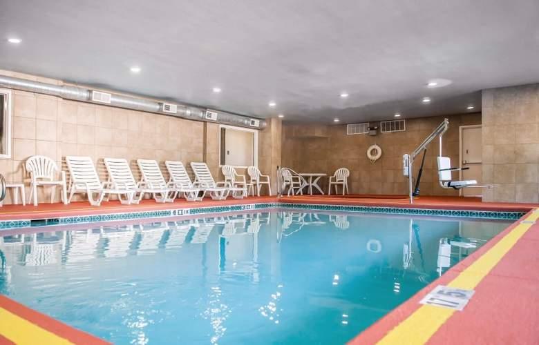 Comfort Suites Albuquerque - Pool - 3