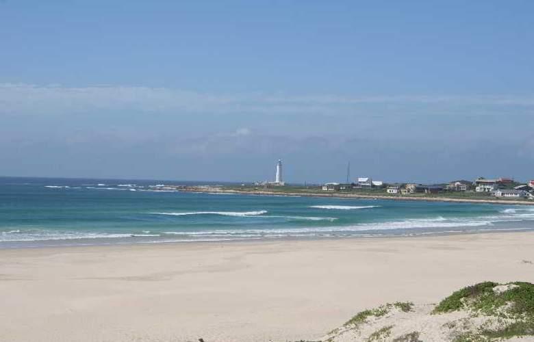 Cape St Francis Resort - Beach - 3
