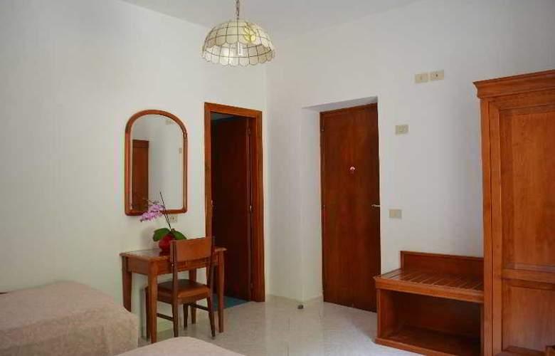 Maronti - Room - 13