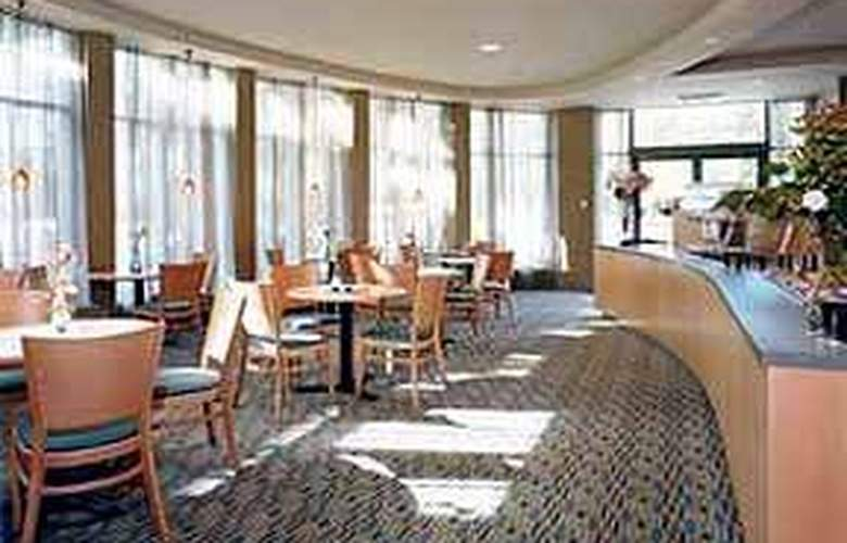 Quality Hotel Airport South Richmond - General - 2