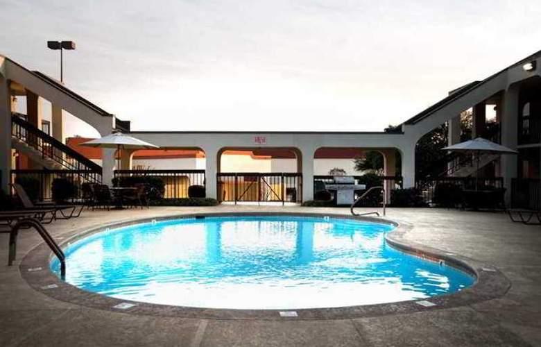 Baymont by Wyndham Columbus GA - Hotel - 4