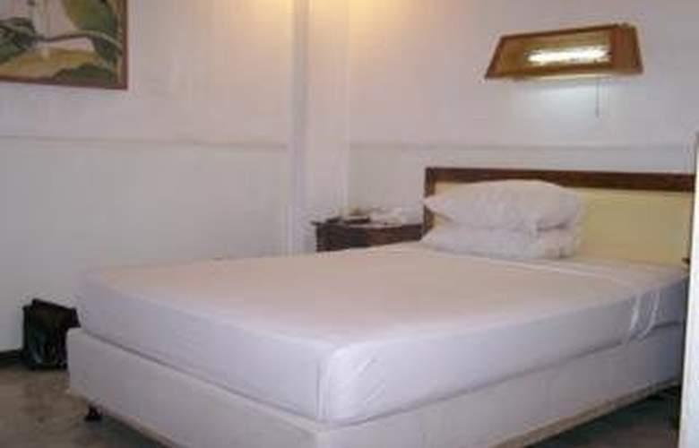 Karthi - Room - 5