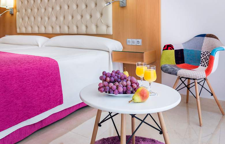 Mediterraneo Bay Hotel & Resort - Room - 3