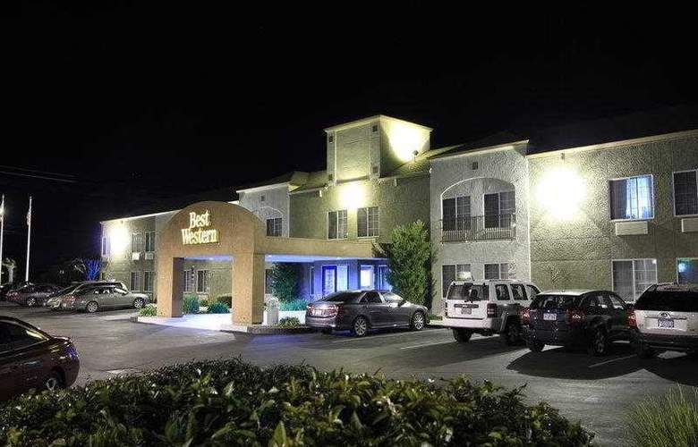 Best Western Plus Twin View Inn & Suites - Hotel - 1