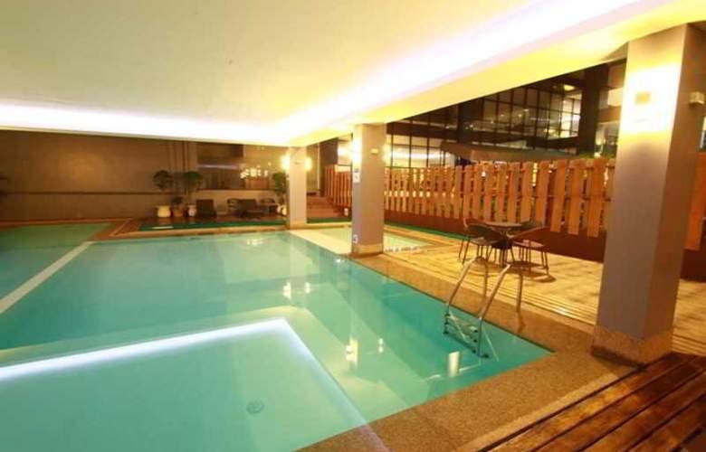 Dohera Hotel - Pool - 2