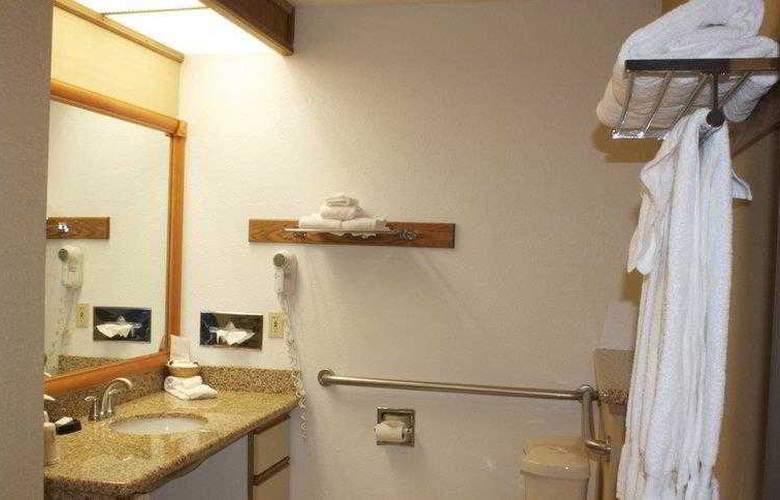 Best Western Plus Ahtanum Inn - Hotel - 24