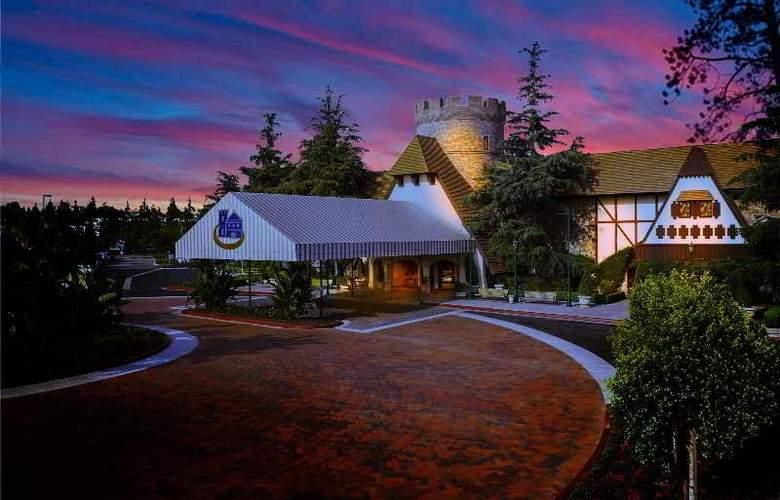 Anaheim Majestic Garden - Hotel - 0