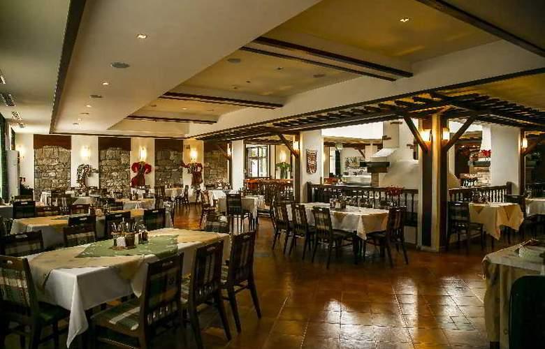 Spa Hotel Devin - Restaurant - 23