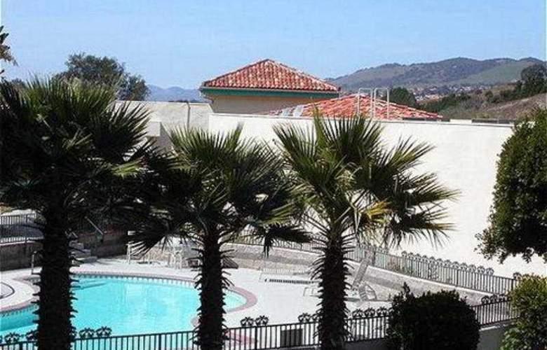 Holiday Inn Express Grover Beach - General - 2