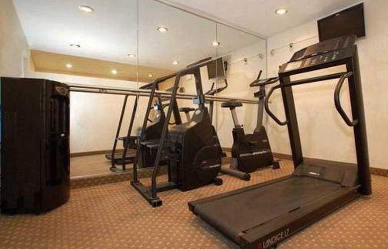 Comfort Inn Long Island City - Sport - 4