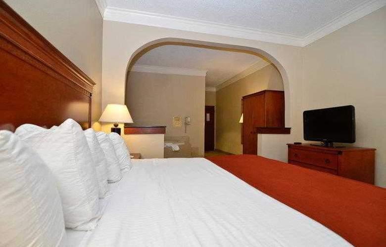Best Western Plus Madisonville Inn - Hotel - 13