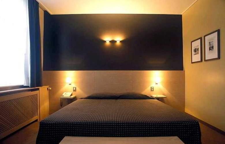 Hotel Navarra - Room - 3
