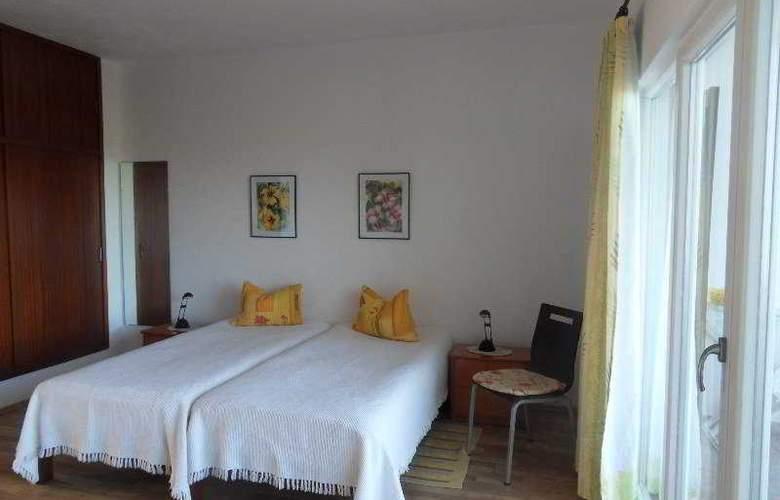Apartamentos Miranda - Room - 3