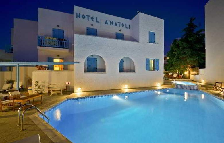 Anatoli - Pool - 20